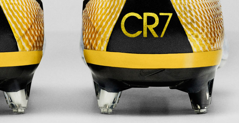 Les crampons Nike Mercurial Superfly Cristiano Ronaldo 324K Gold  dévoilés