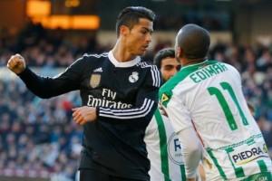 Ronaldo-vs-Cordoue